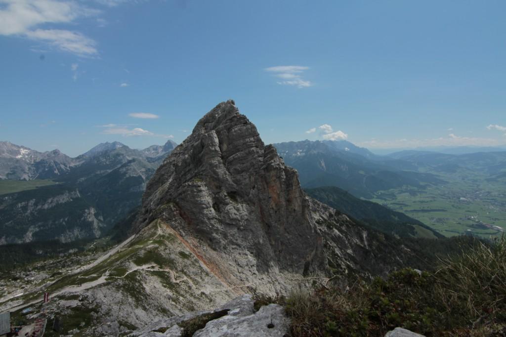 gesicherter Steig unterhalb der Fahnenköpfl-Westwand